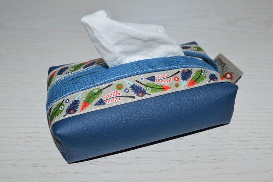 Bild von Taschentuchtascherl Kunstleder Federn blau