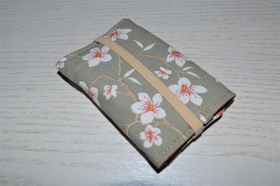 Bild von Globuli-Etui Kirschblüten beige/weinrot