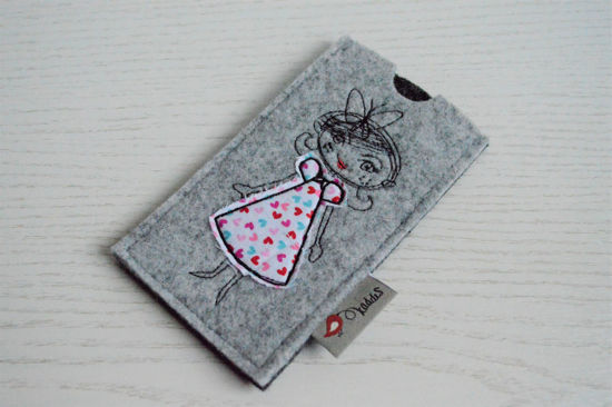 Bild von Tabletten-Etui Mäderl grau/pink