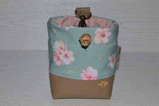 Bild von Futterbeutel Kirschblüte Kunstleder/Softshell beige/mint